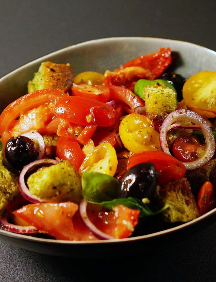 Panzanella mit Pesto-Croutons