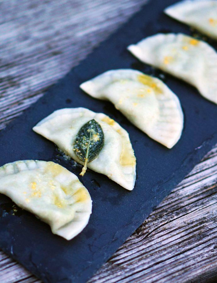 Bohnen-Ravioli mit Zitrone und Salbei