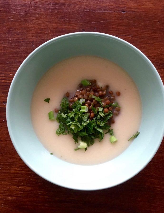 Kohlrabi-Kokos-Suppe mit Linsen