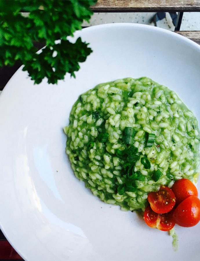 Kohlrabi-Petersilien-Risotto in Lindgrün