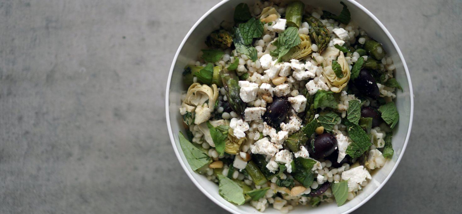 Grüner Spargel mit Perl-Couscous-Salat